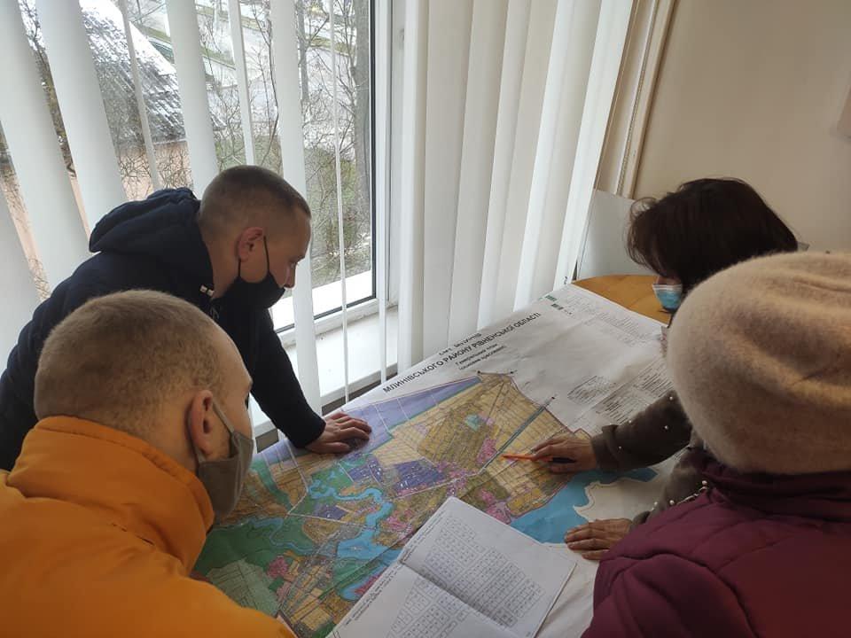 Понад сотня учасників АТО/ООС з сім'ями отримали земельні ділянки у Млинові, фото-8