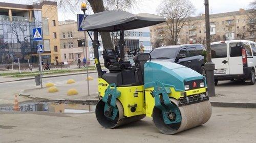 В одному з міст на Рівненщині борються з ямами на дорогах (ФОТО), фото-2