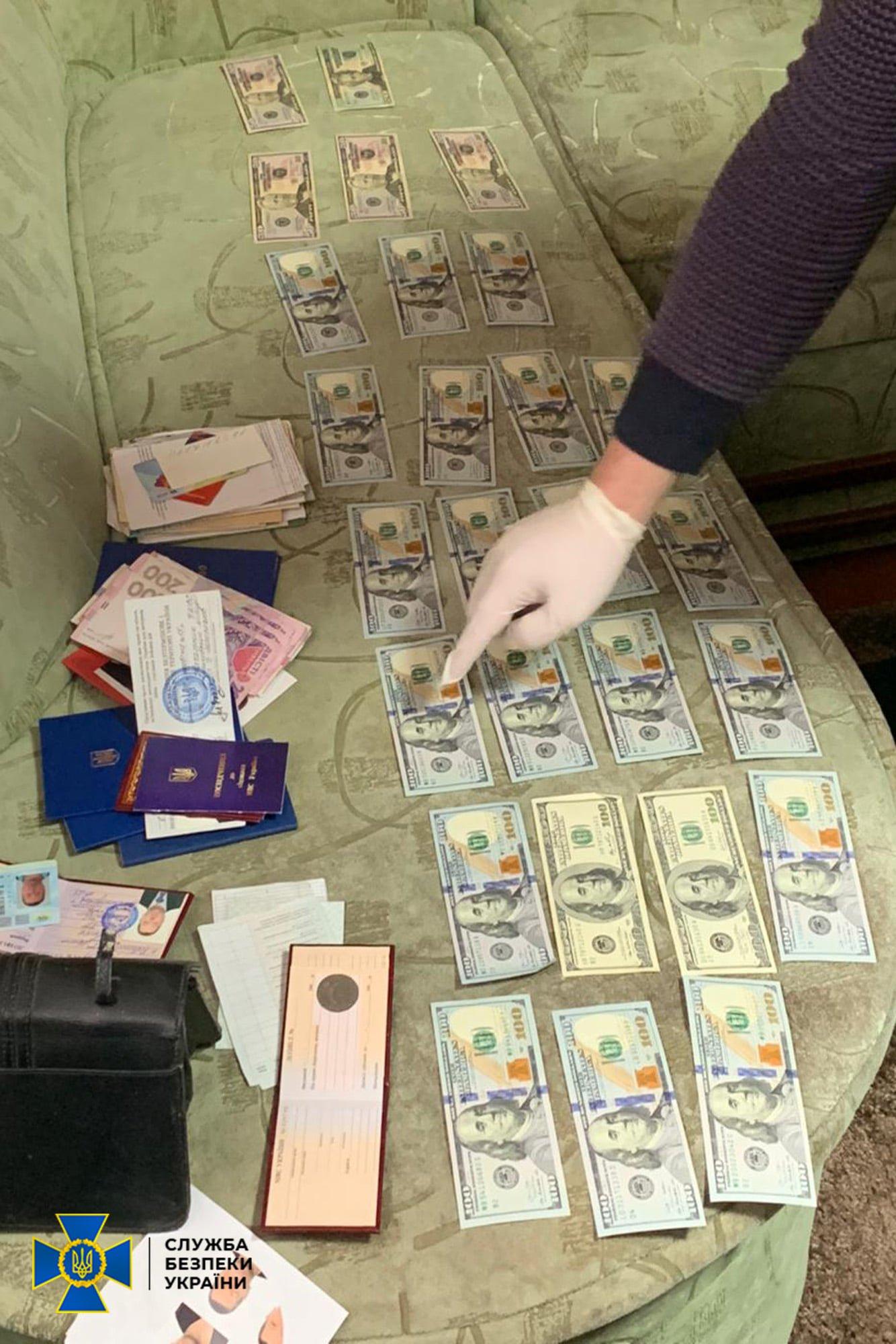 У Рівненській області майора поліції підозрюють у хабарництві, фото-1
