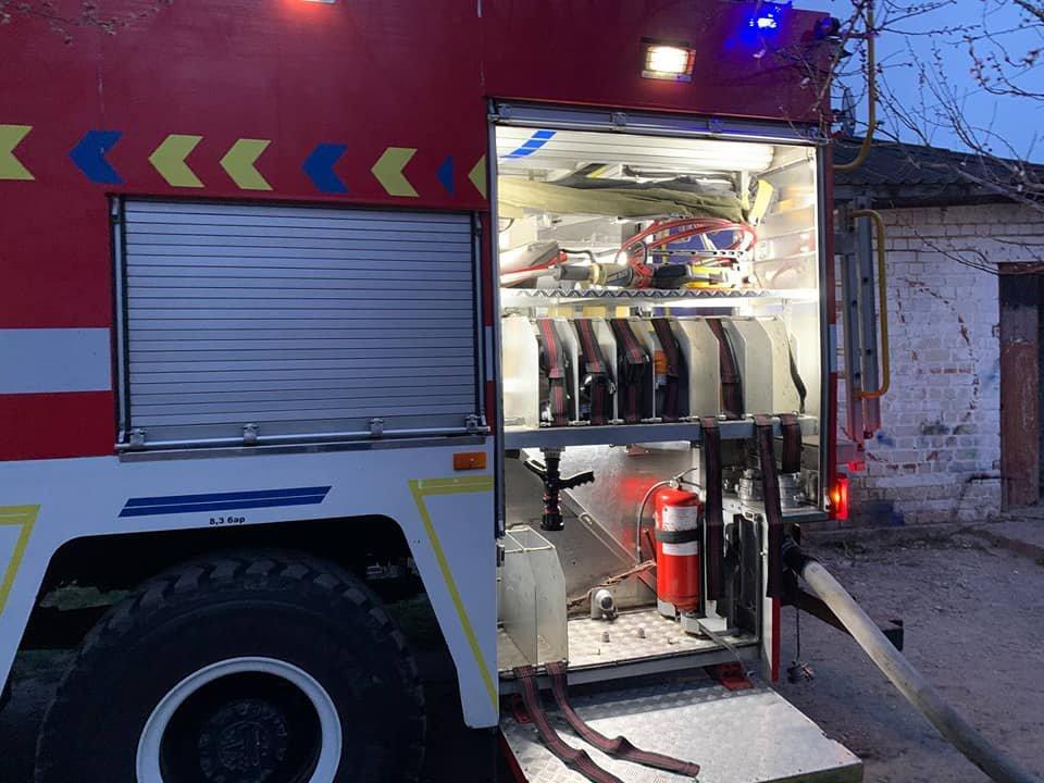 У Здолбунові сталася пожежа: спалахнув будинок, де мешкають три сім'ї (ФОТО) , фото-7