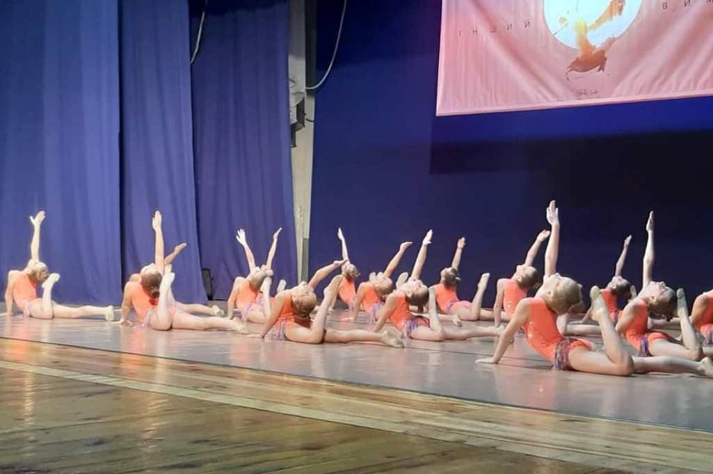 """Вараські юні танцюристки удостоїлися звання """"Зразкового художнього колективу"""" згідно з Наказом МОН України, фото-1"""