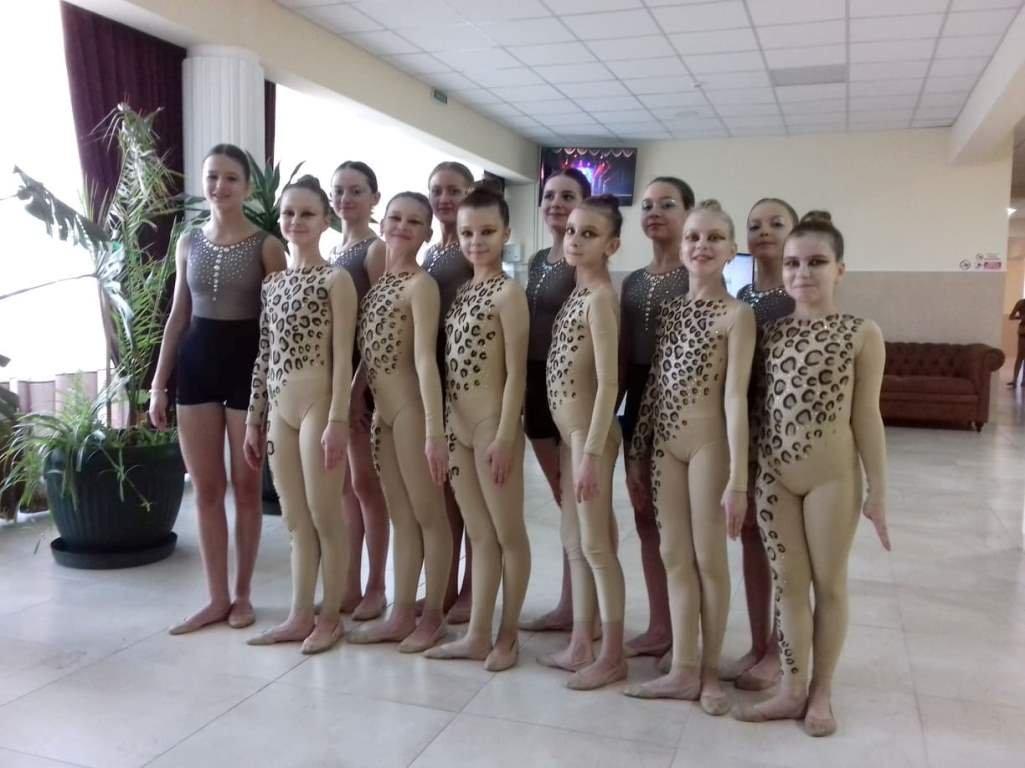 """Вараські юні танцюристки удостоїлися звання """"Зразкового художнього колективу"""" згідно з Наказом МОН України, фото-2"""