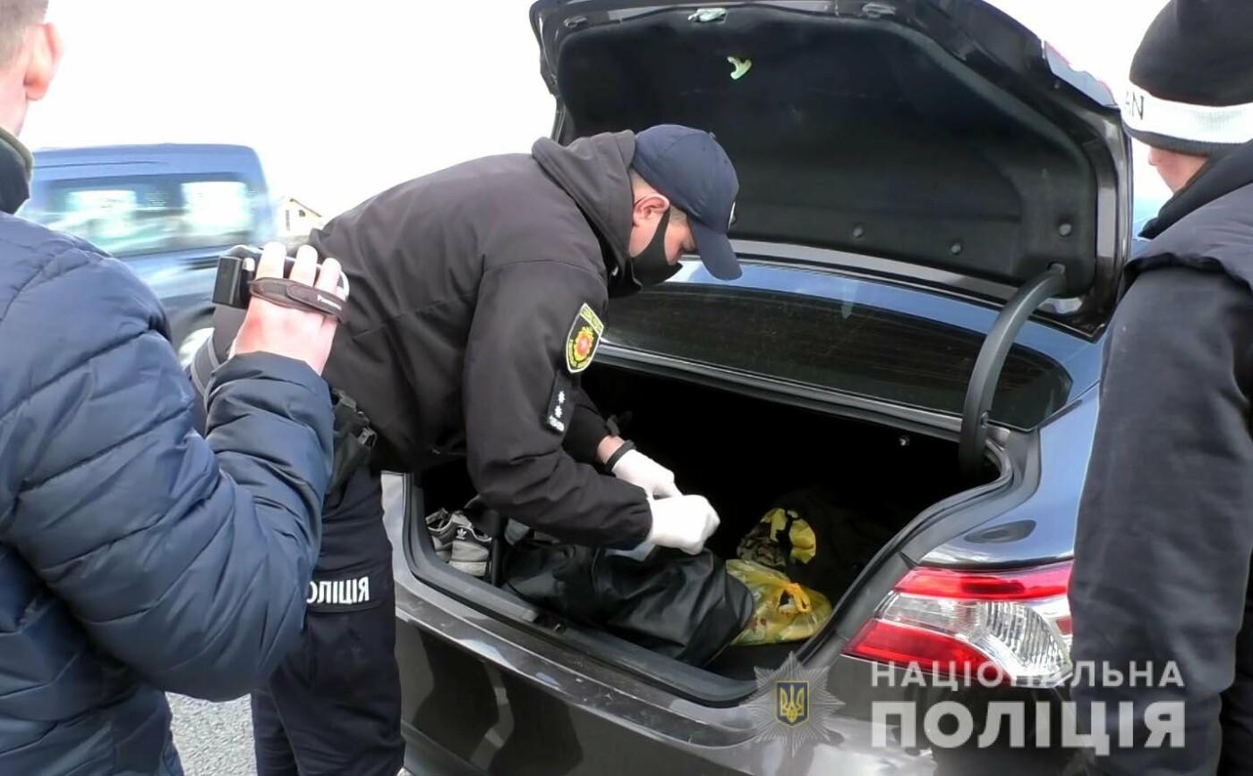 Поверталися з краденим додому: жителів Вінничини, які можуть бути причетними до серій крадіжок, упіймали на виїзді з Рівного, фото-2