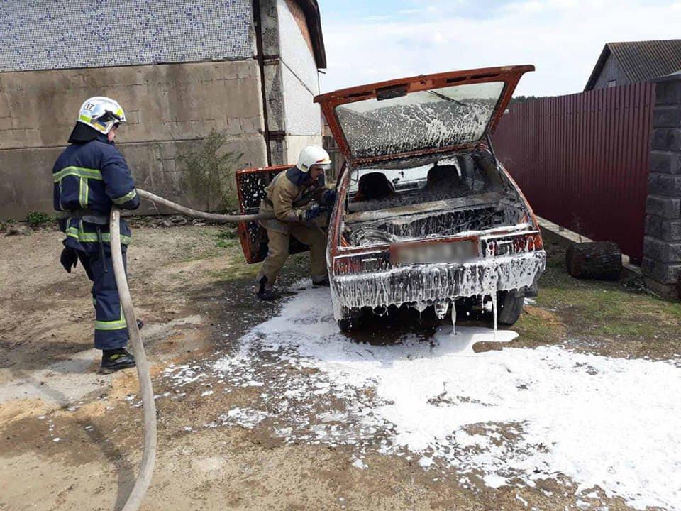 Знову пожежа і знову авто – цього разу на Острожчині (ФОТО), фото-1