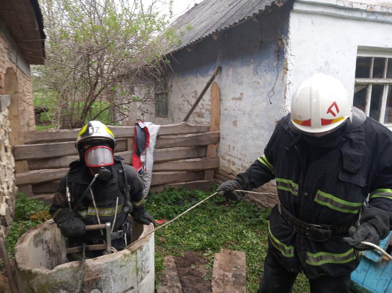 У селі на Рівненщині літня жінка впала в колодязь, фото-1