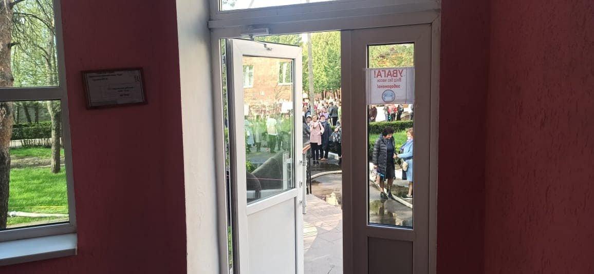 У Сарненському ліцеї сталася пожежа: людей евакуювали з приміщення, фото-3