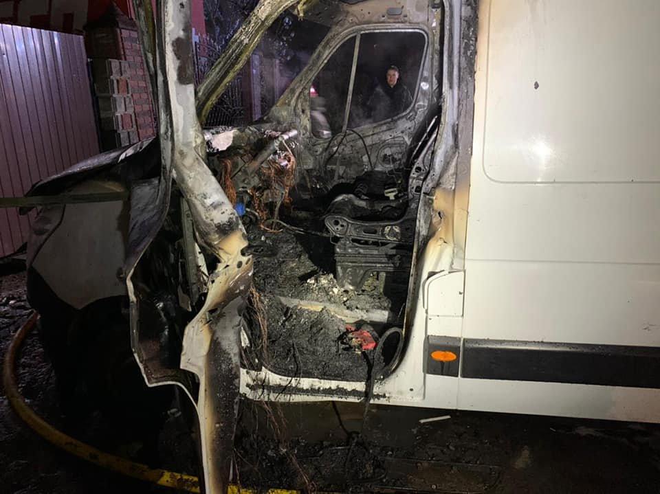 У Рівному вночі загорівся мікроавтобус (ФОТО), фото-4
