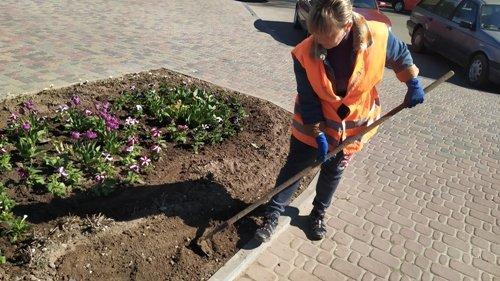 У Костополі комунальники займаються облагородженням міста: готують до запуску фонтан, фото-3