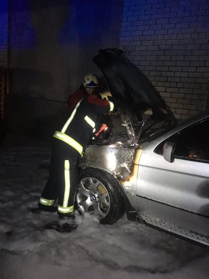 У Володимирці загорілося елітне авто (ФОТО), фото-1