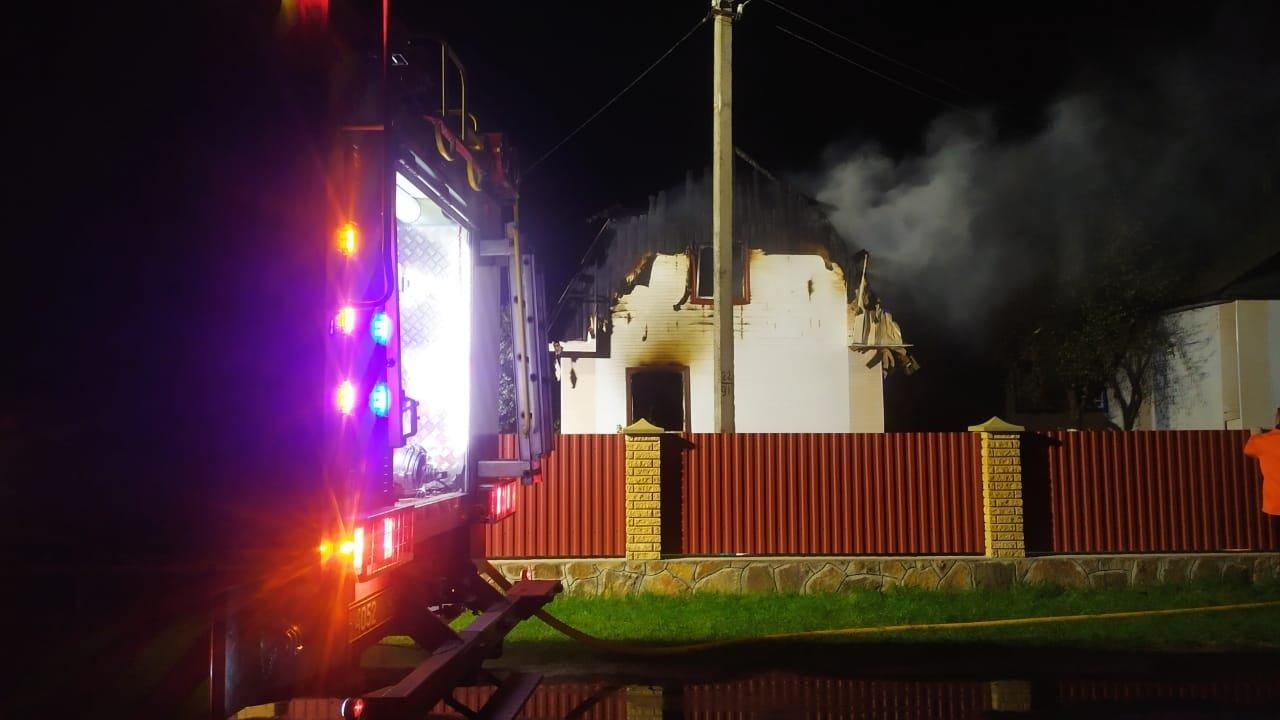 На Сарненщині згорів будинок: всередині знайшли чоловіка без ознак життя, фото-2