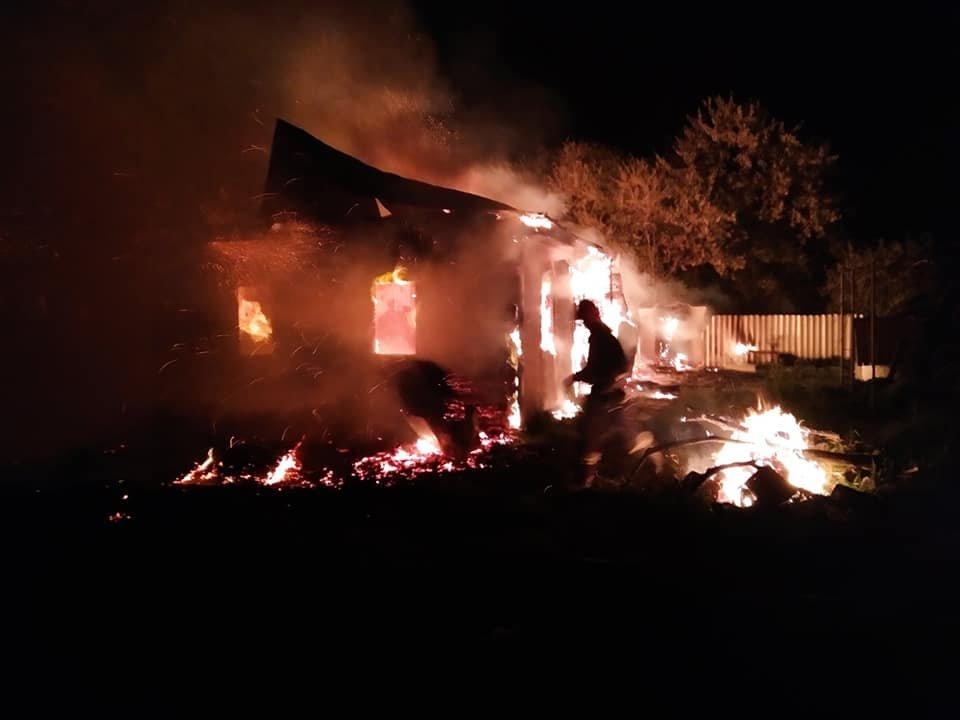 Пожежа на Кореччині: будинок залишився без даху… і господаря, фото-3