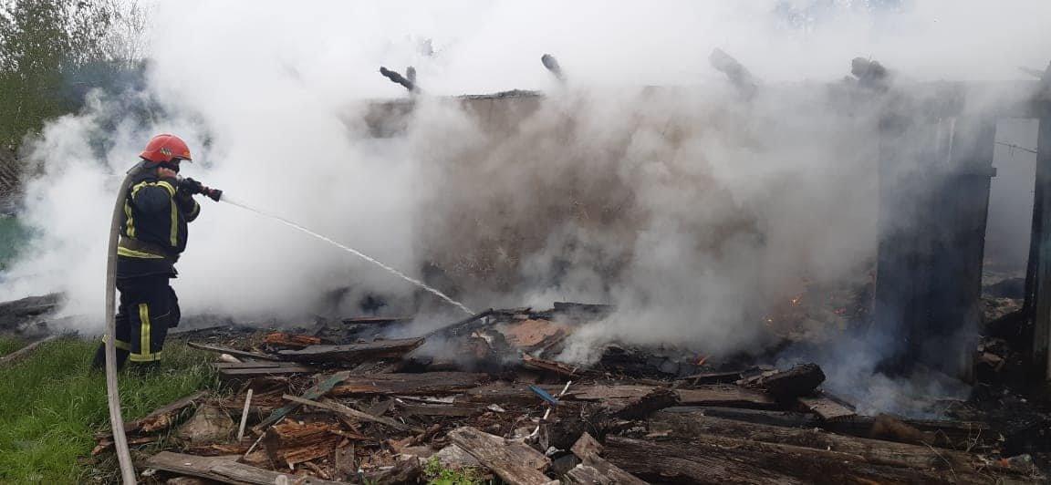 На Березнівщині сталася пожежа: вогонь охопив будинок, в якому ніхто не мешкає (ФОТО), фото-4