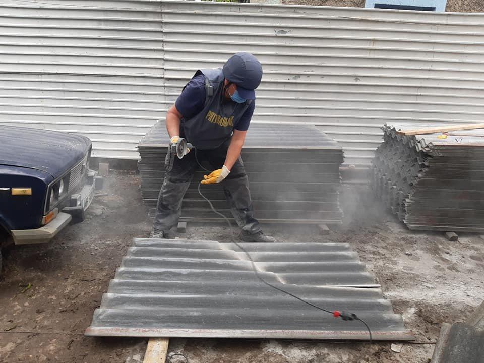 Рівненські рятувальники продовжують допомагати відновлювати Донбас, фото-1