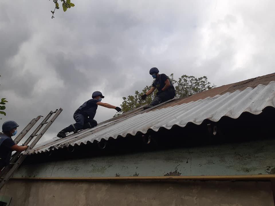 Рівненські рятувальники продовжують допомагати відновлювати Донбас, фото-3