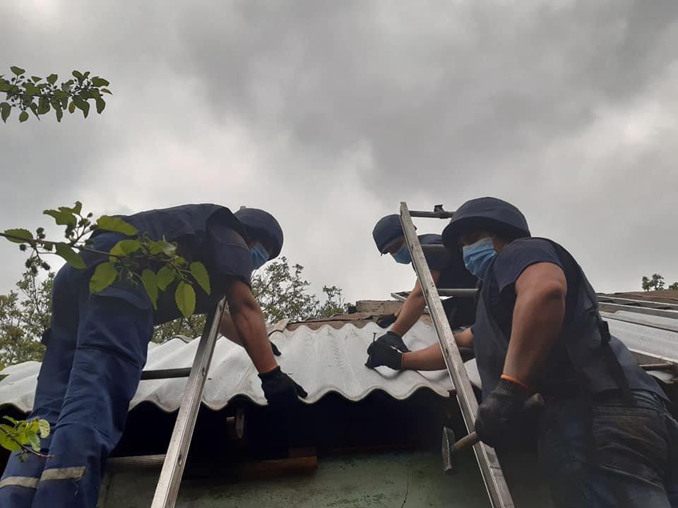 Рівненські рятувальники продовжують допомагати відновлювати Донбас, фото-4