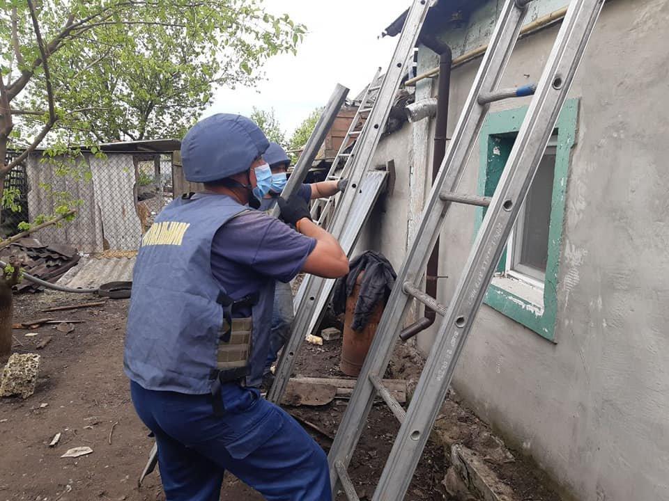 Рівненські рятувальники продовжують допомагати відновлювати Донбас, фото-8