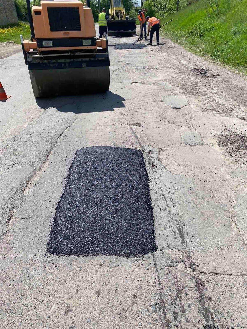 У одній з громад на Рівненщині ліквідовують ями на дорогах (ФОТО), фото-3