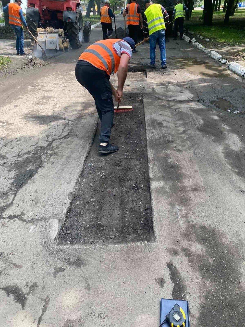 У одній з громад на Рівненщині ліквідовують ями на дорогах (ФОТО), фото-4
