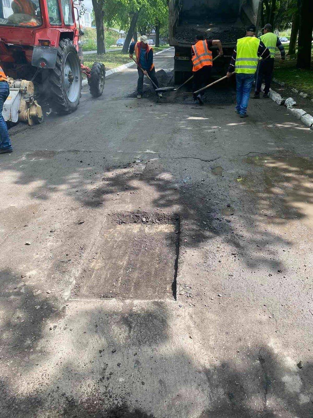 У одній з громад на Рівненщині ліквідовують ями на дорогах (ФОТО), фото-5