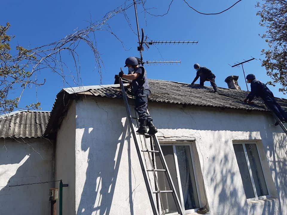 Рівненські рятувальники продовжують допомагати відновлювати Донбас, фото-7