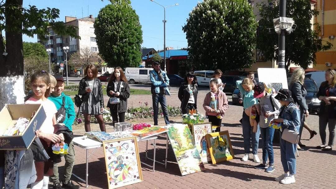 У Костополі волонтери збирали кошти на лікування школярки, фото-6