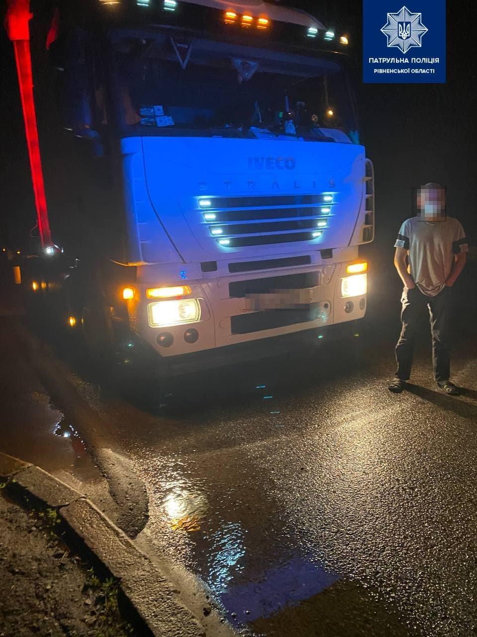 У Рівному нетверезий водій кермував вантажівкою (ФОТО), фото-2