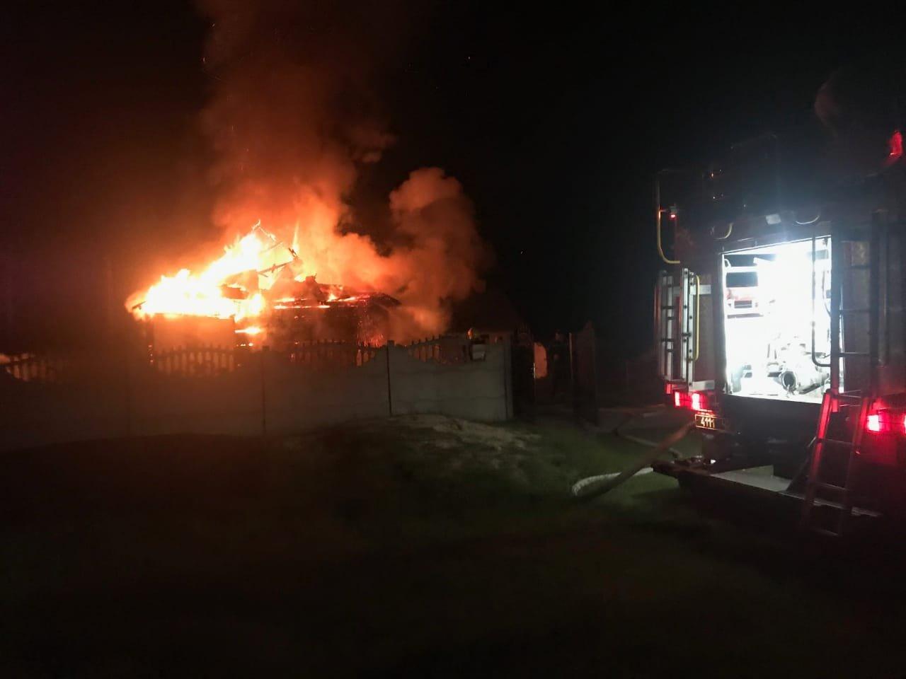 У Рівненському районі спалахнув житловий будинок, фото-1