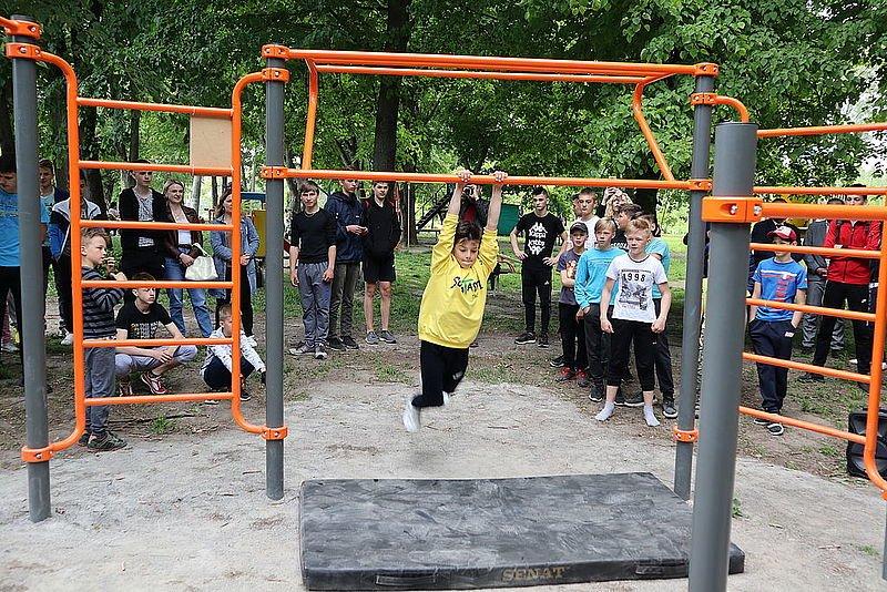 В одному з міст на Рівненщині провели перше в історії змагання зі Street Workout, фото-1