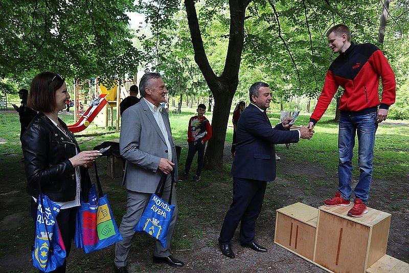 В одному з міст на Рівненщині провели перше в історії змагання зі Street Workout, фото-3