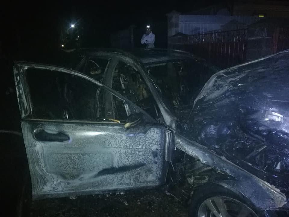 У Костополі вогонь знищив легковий автомобіль: транспорт спалахнув на ходу, фото-3