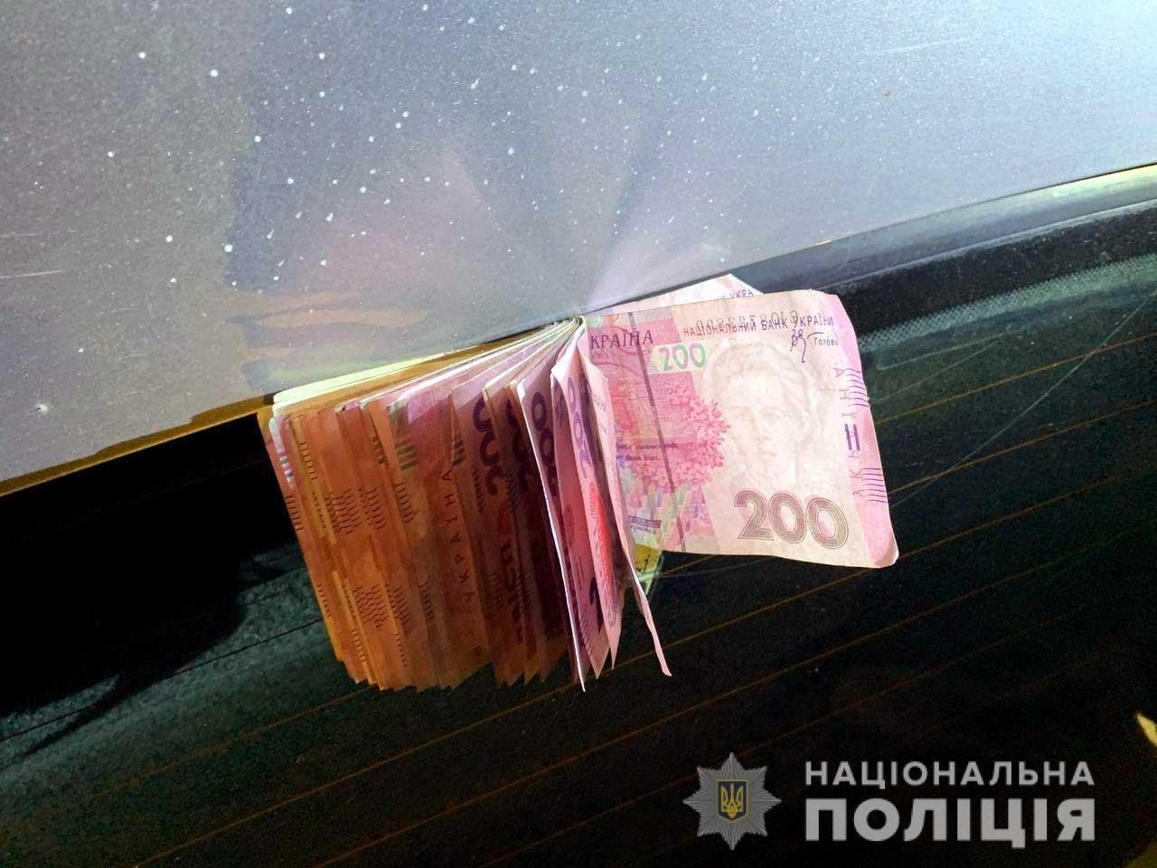 Житель Донеччини на Рівненщині ошукав двох місцевих жителів на кілька тисяч гривень, фото-1